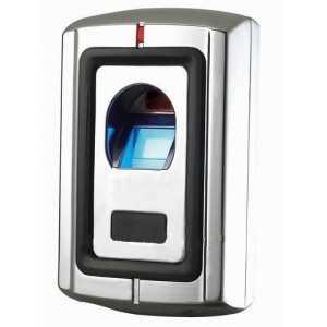 Control de accesos biométrico (huella dactilar) y tarjeta/llavero RFID y PIN. Carcasa metálica anti vandálica para instalacione