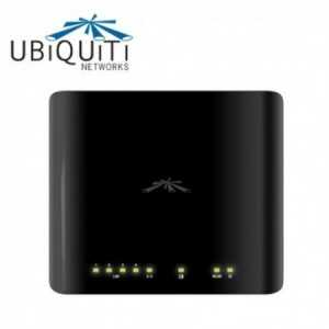 AirRouter puertos Ethernet 10/100 BASE-TX (Cat 5, RJ-45), puerto USB y antena integrada.