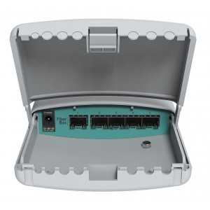 Cloud Router de Exterior, 400MHz CPU, 128MB RAM, x5 SFP, RouterOS, L5